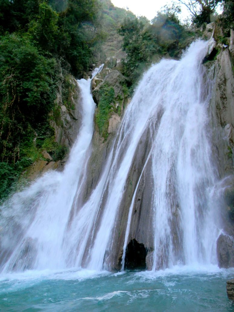 Kempty Water Fall Mussoorie - HiWay Cabs Delhi to Mussoorie